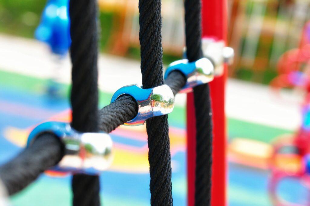 Play Inspect SIA sniedz bērnu laukumu drošības pārbaudes